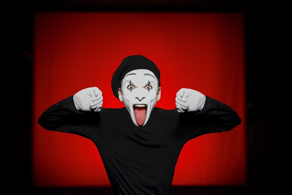 Photo of BRIGHTON BITES: Teatteri Takomo – Dark Side of the Mime