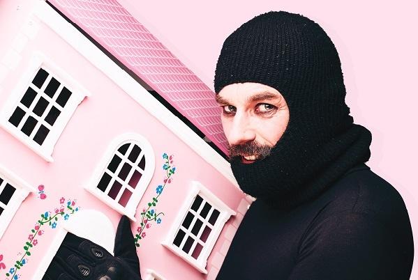 Photo of BRIGHTON FRINGE: Eddie Summers' School of Burglary – The Warren: Theatre Box