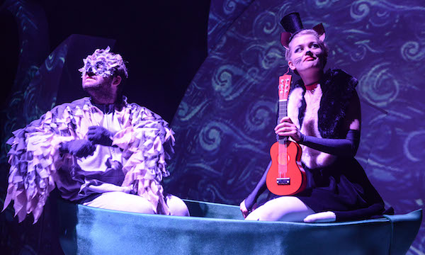 Danny Lane as Owl and Sally Frith as Pussycat