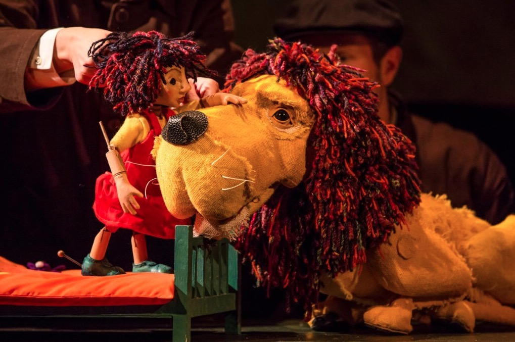 Photo of How to Hide a Lion – New Wimbledon Theatre, London