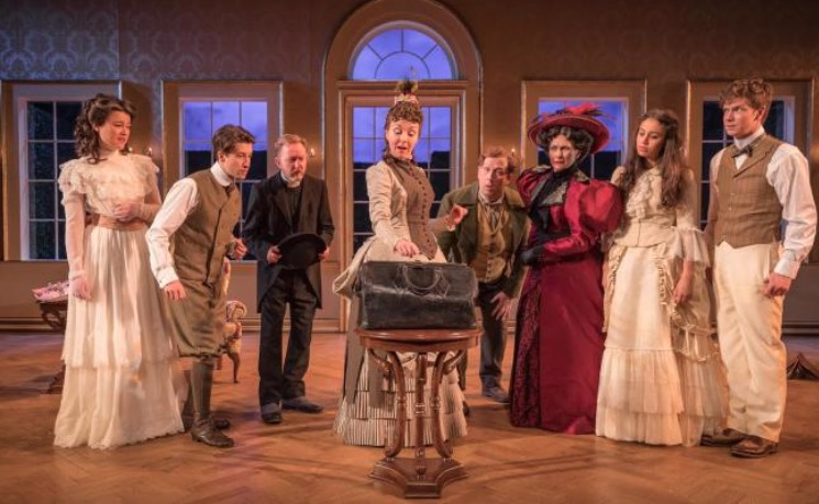 Photo of The Importance of Being Earnest – Theatr Clwyd