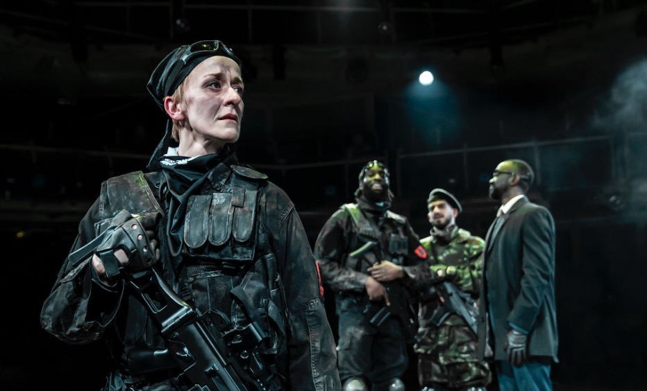 Photo of Macbeth – Royal Exchange Theatre, Manchester