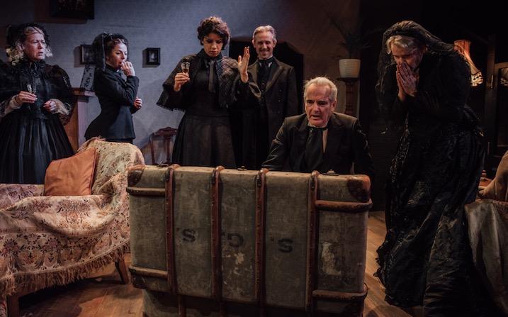 Photo of Tonight at 8.30: Nuclear Families – Jermyn Street Theatre
