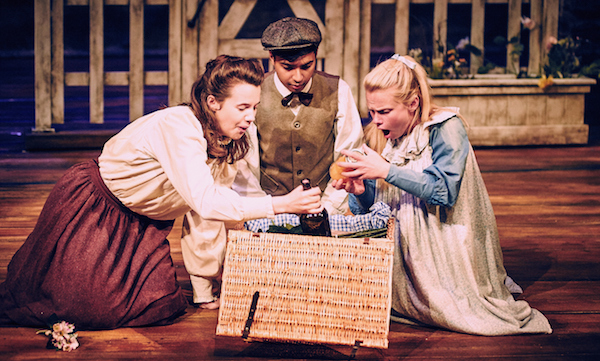 Photo of The Railway Children – Aylesbury Waterside Theatre