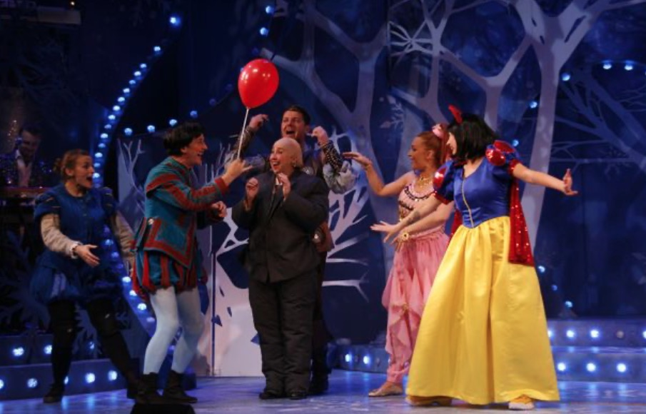 Photo of The Scouse Snow White – Royal Court Liverpool