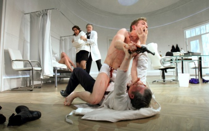 Photo of What The Butler Saw – Theatre Royal Bath