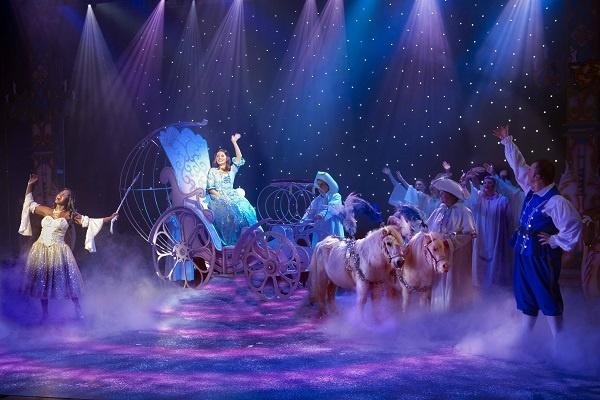 Photo of Cinderella – Yvonne Arnaud Theatre, Guildford