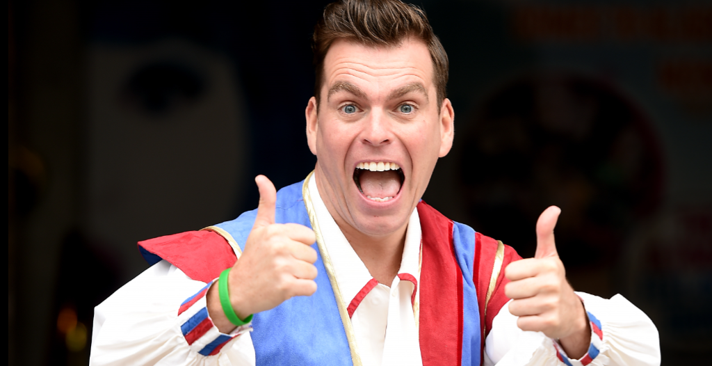 Photo of INTERVIEW: Scottish panto favourite Johnny Mac talks to The Reviews Hub